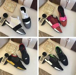 5499ed00e Nuevo diseñador Unisex Mixed Colors Shoe Man Casual Race Runner Shoes Mujer  Nombre Marca Kanye Punta estrecha Sneaker barato de corte bajo