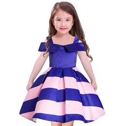 Barato Off Ombro Primavera Vestidos-Spring Kids Girls Striped Dresses 2018 Baby Girls Moda Off-ombro Vestido Bebês Princess Ruffles Dress Kids Clothing