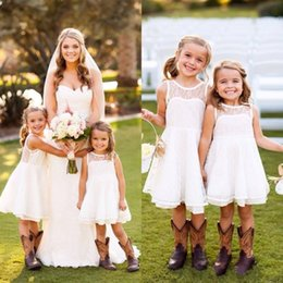 Vestidos De Longitud De Té De Marfil Baratos-2016 Niño pequeño lindo barato niñas vestidos de gasa cuello de manga sin mangas Country Style Wedding Party Dresses Blanco Ivory Tea longitud vestidos