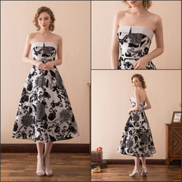Sexy StrapleSS corSetS online shopping - Charming Strapless Print Black White Evening Dresses Gowns Tea Length Stock A Line Fashion Corset Sexy Party Dress Prom Formal Ball