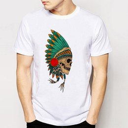 Barato Camisas Retro Crânio-Track Ship + New Retro Cool RockRoll Punk Men Tees Harajuku Design Hipster Camisetas Indian Skull Simple Style Color Painting