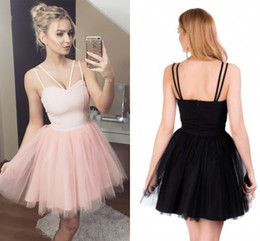 Barato Bonito Cetim Preto Vestidos Baratos-Cute Pink Tulle Short Homecoming Vestidos Sweetheart Spaghetti Cetim Backless Black Red Prom Dresses Cheap Party Dresses