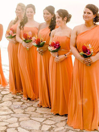 Barato País Um Ombro Dama De Honra Vestidos-Long Orange Chiffon Vestidos de dama de honra Um ombro Cheap Wedding Guest Gowns Custom Made Country Maid of Honor Dress 2018