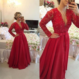 Robe Rouge Dentelle Chaude Pas Cher-Long Sleeve A Line Robes de soirée Sexy V Neck Sheer Back Rouge Lace Party Prom Gowns Custom Made Hot Sale