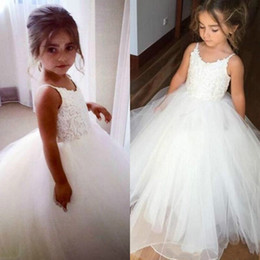 cheap dresses for first communion 2019 - Princess 2019 Lace Girls Party Dress White Sleeveless Puffy Cheap First Communion Dress Kids Formal Wear Flower Girls Dr