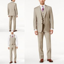 S'adapte À La Taille De L'homme Pas Cher-Handsome Khaki Men Costumes Three Piece With Jacket + Waistcoat + Pantalons Custom Made Polyester Ennublé Lapel Plus Size Tuxedo Wedding Suit