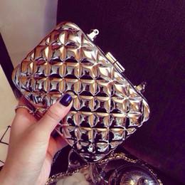 $enCountryForm.capitalKeyWord Canada - Brand Metal Box Clutch Perfume Handbag Metallic Concave Plaid Evening Bags Shoulder Purse Messenger Magnet Closure - R9002