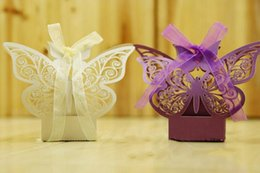 Barato Caixas Do Favor Doces Da Borboleta-Cheap Butterfly Hollow Baby Shower Wedding Favors Boxes Presentes Candy Boxes Favor Holders Laser Cut Wedding Party Supplies Caixas de chocolate