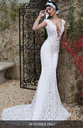 Barato Trem De Vestido De Renda Reta-2016 Berta Scalloped Lace Mermaid Wedding Gowns Backless Plunging V-Neck Cap Sleeve Lace Bridal Gowns Straight Skirt With Train
