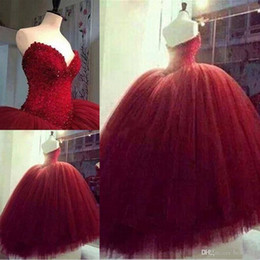 Robes De Bal Cœur Rouge Pas Cher-2017 Red 16 sweetheart Quinceanera Tulle Tiered Corset avec des perles Hauts Tiers Tulle Balle Robes 15 filles Prom Party robes sur mesure
