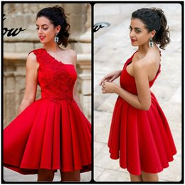 Barato Vestidos De Baile De Renda Vermelha Simples-Simple Red One Shoulder Lace Applique Mancha Side Zipper Short Prom Dresses Vestido formal Vestidos Cocktail Dress
