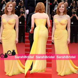 Vestido De Moda Amarillo Baratos-Jessica Chastain 2016 Cannes Celebrity vestidos de noche Diosa griega Fashion Yellow Fit y Flare falda larga Chiffon Prom Vestidos Wear Cheap
