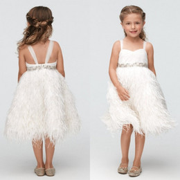 Новый стиль девушки театрализованные платья для подростков 2016 шику бусины талии роскошные страусиные перья принцесса девушки цветка платья милые бретельки на Распродаже