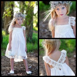 Longueur De Thé Pas Cher-2017 nouvelles robes fille fleur Boho pour des mariages avec dentelle Spaghetti Strap Criss Cross Retour thé longueur Enfants Pageant Robes bon marché Custom Made