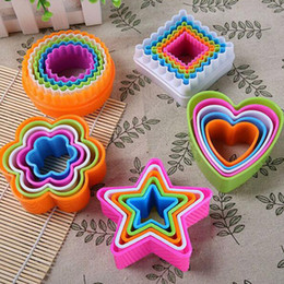 fondant cakes stars Australia - 5Pcs set Plastic DIY Star Tree Round Heart Flower Fondant Cake Cookie Cutter Mold Biscuit Pastry Mould Sugarcraft Tool
