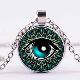 China Vintage Jewelry Wholesale Blue Green Cat Eye Necklaces Pendant Fashion Charming time Stone Glass Necklace for Men Women supplier vintage glass stones necklace suppliers