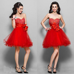 Robe courte sweetheart rouge Pas Cher-Sexy Hot Red Beaded Crystals Sweetheart Empire Tulle Little Cocktail Robes courtes pour filles Robes sans bretelles Homecoming Side Zipper