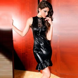 Barato Cabrestos Em Couro-New Wetlook Latex sem mangas Mini vestido Black Halter Faux Leather Dress Lace-up Front Mulheres Mini Dress Sexy Clubwear Stripper Wear W1196