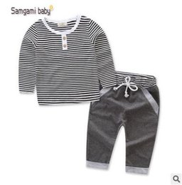 Barato Garoto Listrado De Manga Comprida-Ins Kids Outfits para Baby Boys Conjuntos de roupas FALL Long Sleeve Warm Cotton Striped 2 Piece Outfits Kids Clothing Coreia Toddler Baby Clothes