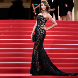 Barato Vestidos De Noiva Sem Costura-Frete Grátis Evening Strapless See Through Lace Applique Vestido de noite de lenço formal Cannes Festival de cinema Red Carpet Prom Dresses 2016