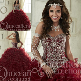 Habille Pour Une Fête De Quinceanera Pas Cher-Maroon Robes de Quinceanera 2017 Balayage à volants à volants en cascade Pageant Gown Luxury Crystal Corset Sweetheart 16 Masquerade Party Dress