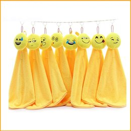 Emoji Towels NZ - Smiling Face Emoji Dishcloth For Home Kitchen Articles Lovely Cleaning Cloths Hanging Coral Velvet Hand Towel Water Uptake 6zt C RZ
