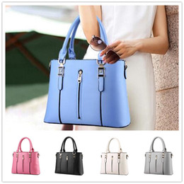 Knitting Models Women Canada - Brand new wave of female spring models zipper printing fashion women style shoulder bag Messenger BAG129