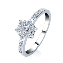 China Fashion Modern 18K White Gold Plated Zircon Snow Shape Ring Women's Fashion Cocktail Ring Free Shipping cheap snow white rings suppliers