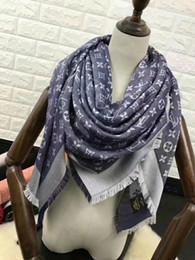 Usine Vendre marque design Mode Lettre pashmina écharpe châle femmes écharpe impression en métal laine Cachemire écharpe wraps 140 * 140 CM
