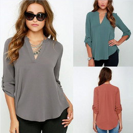 Barato Senhoras Baixo Corte Tops-Loose V Neck Mulheres Tops Sexy Long Sleeve Low Cut Ladies Camisas Blusa Tops com Chiffon Material para Mulheres TM2008