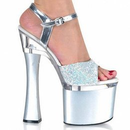 Barato Prata Pvc Sexy-Mais brilhantes Silver 18CM Sexy Super High Heel Plataformas Pole Dance / Performance / Star / Model Shoes, Wedding Shoes
