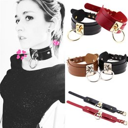 Barato Colares Para Escravos-32 cores Big Ring Leather Choker Necklace Pin Buckle Collars Slave Statement Jewelry for Women Gift 162510