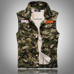 Chinese  Fall-Men Camouflage Denim Vest New 2016 Sleeveless Camo Print Jean Jackets Badges Embellished Free Shipping manufacturers