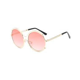 New Fashion Female Sunglasses Canada - New Fashion Sunglasses Women Men Designer Ladies Sun Glasses Luxury Female Gafas Oculos De Sol UV400 Shades 1618DF