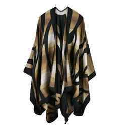 Green Cape Poncho Canada - 2016 New Brand Women's Winter Poncho Vintage Blanket Women's Lady camouflage gradient Knit Shawl Cape Cashmere Scarf Poncho cc757