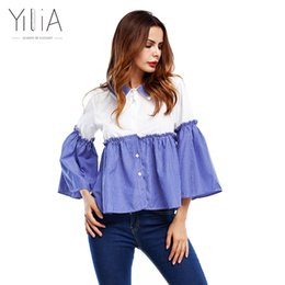 Barato Mulher Top De Listra Azul-Yilia T-Shirt Mulheres Tops 2017 Autumn Spring New Casual Patchwork White Blue Stripe Long Flare Sleeve Shirts Cute Babydoll Blusas q171125