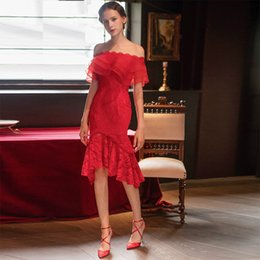 Robe Mini Élégant Moderne Pas Cher-Robe de soirée 2017 Elegant Red Boat Neck Manches courtes Knee Length Gaine Mermaid Lace Up Back Modern Lace Simple Party Robe de bal