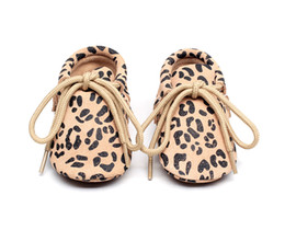 $enCountryForm.capitalKeyWord Canada - New Stylish Leopard genuine leather print lace up polka dot soft sole girl boy leather baby moccasins first walkers toddler oxford shoes