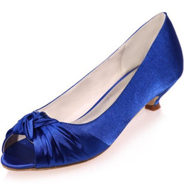 China Cheap Women's Ivory Satin Wedding Bridal Shoes Open Peep Toe Low Heels for Evening Prom ZXF0700-16A cheap kitten heel wedding shoes champagne suppliers