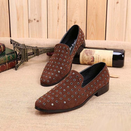 rounded toe man suede leather shoes fashion designer rivet chocolate color wheel toe boat shoes leisure shoes shoes wheels outlet