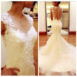 Robe Plisse Mince Pas Cher-2017 Sheer O-Neck Mermaid blanc des robes de mariée en dentelle plissée autocollantes Tulle train chapelle See Through Retour Robes de mariée Slim Belle