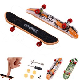 $enCountryForm.capitalKeyWord Canada - Alloy Stand FingerBoard Mini Finger boards & Boring Decompression Toys Finger Skateboard for Kid Toys Children Gift