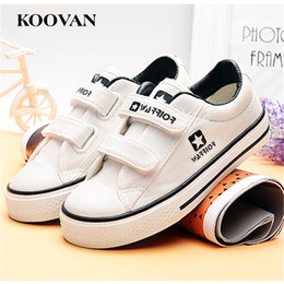 Barato Menina 15 Ano Quente-Canvas Kids Shoes Hot Sale Casual Fashion White Sneaker Hook Loop 2017 1-15 anos Outono Spring Girl Boy Shoes Soft Bottom K528