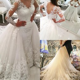 $enCountryForm.capitalKeyWord Canada - Unique 2017 White Wedding Dresses V-Neck Long Sleeves With Lace Applique Wedding Gowns Sheath With Detachable Overskirt Bridal Gowns New
