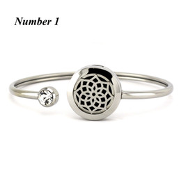 Wholesale 20mm Silver Round Hand Stainless Steel Aromatherapy locket Bracelet Bangle oil diffuser perfume locket bracelet Jewelry