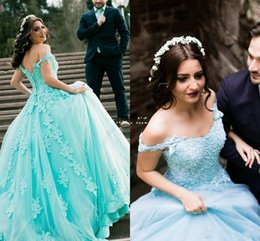 Wholesale Amazing Quinceanera Dresses Off shoulder Lace Prom Gowns Appliques Corset Back Tiered Tulle Puffy Prom Evening Dresses Vestido De Festa