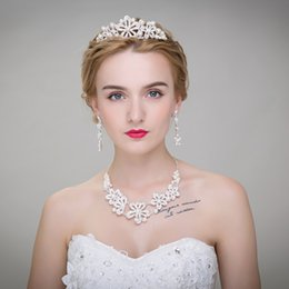 $enCountryForm.capitalKeyWord NZ - Cheap High Quality 3 Pcs Hot Sale Wedding Bridal Crown Necklace Earring Party Jewelry Bridal Jewelry