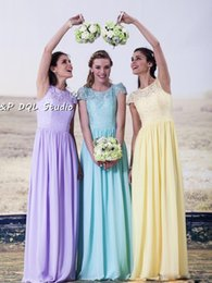 Barato Vestidos Longos Da Dama De Honra Amarelos Claros-Lace Bridesmaid Dresses Lavender, Amarelo, Light Blue Blue Lace Long Wedding Party Dresses Custom Made 2017 New Arrival