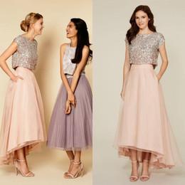 Venta al por mayor de 2018 Girls Party Dresses Sparkly Two Pieces Lentejuelas Top Vintage Tea Length Short Prom Vestidos High Low Vestidos de dama de honor con bolsillos