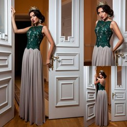 Barato Botões Verdes Baratos-Vintage Andar Comprimento Chiffon Evening Dress Vestidos De Mulheres De Lace Verde Sexy Sheer Back Button Covered Cheap Formal Prom Dress 2018 Vestidos